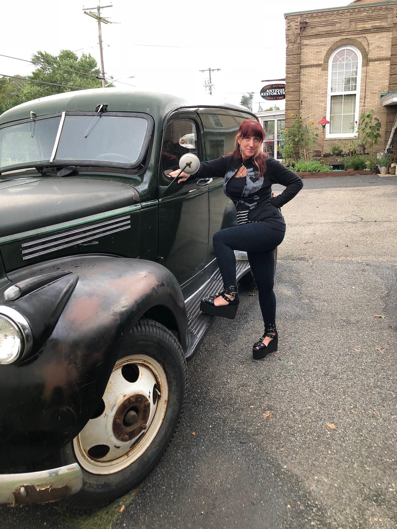 the neighbors antique car